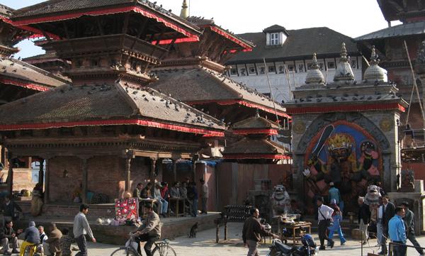 KatmanduDurbarMarket2007